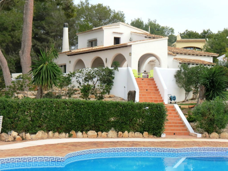 Villa with a large plot for sale in el portet moraira - Villa el portet ...