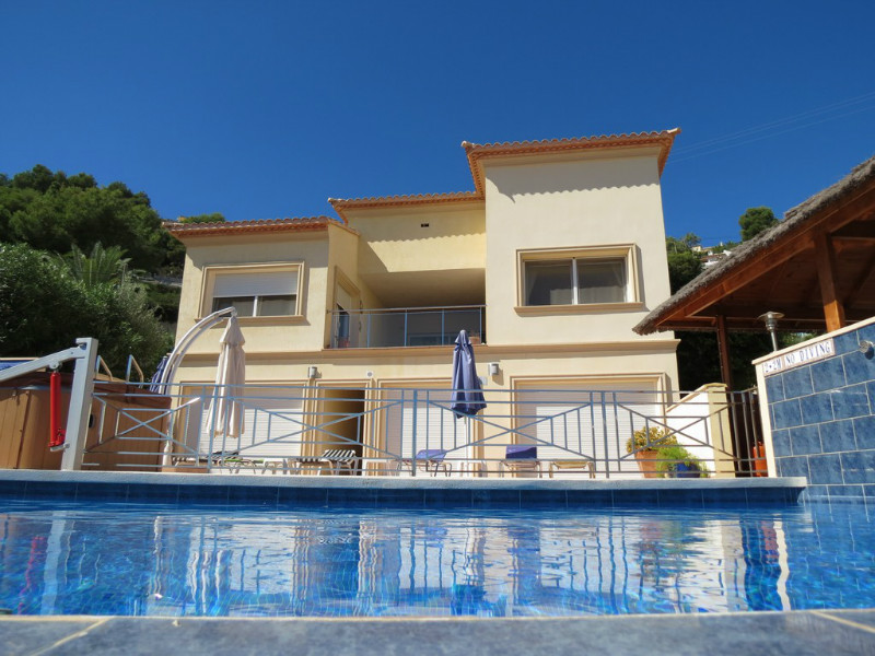 Villa for sale in Benimeit, Moraira. Wheelchair access.