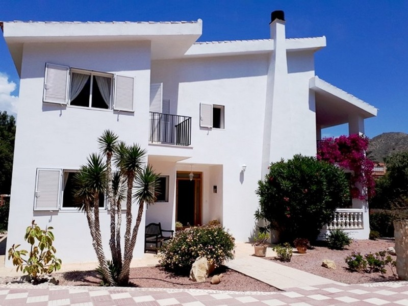 Villa For Sale in El Campello, Alicante