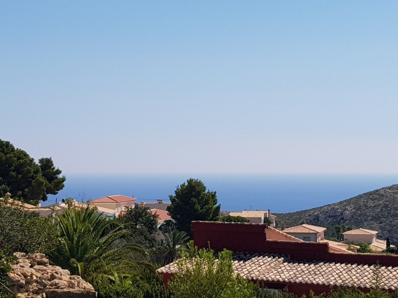 Plot with sea views for sale on Cumbre del Sol