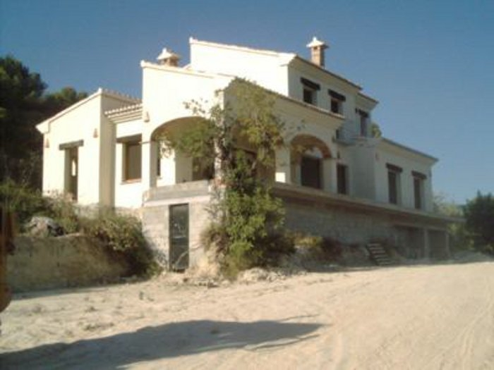 Villa For Sale in Teulada, Alicante